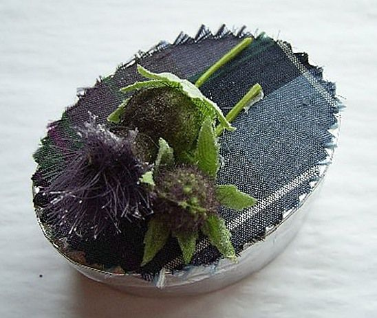 Tartan-Thistle-favour-box