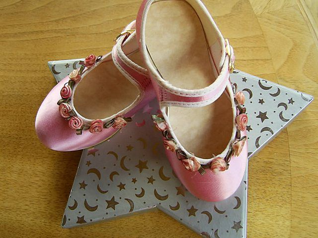 Pink-rosebud-shoes