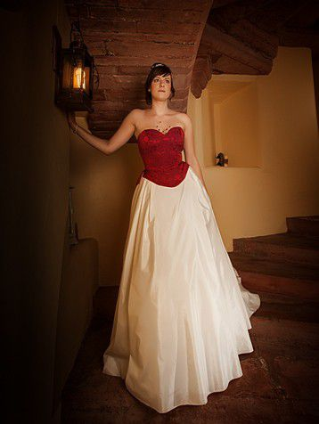Red-bodice-wedding-dress