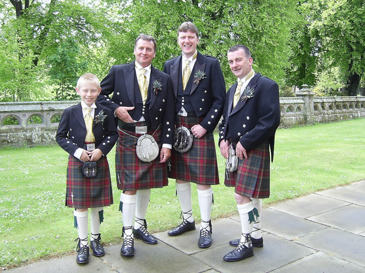 Groom and Groomsmen kilt wedding outfits